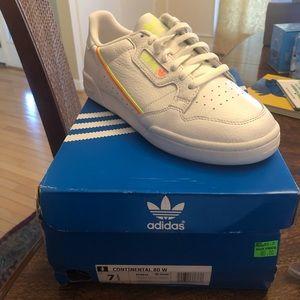7.5 Adidas Continental 80